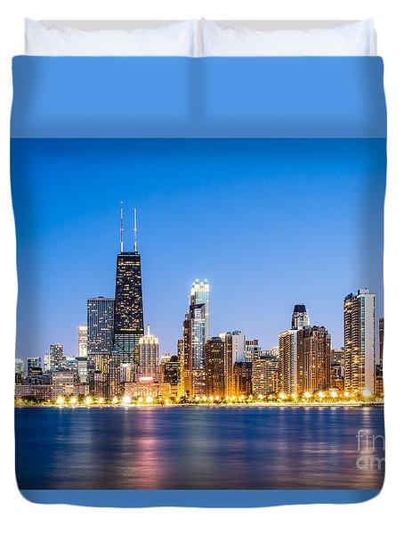 Chicago Skyline At Twilight Duvet Cover by Paul Velgos