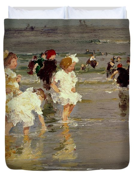 Children On The Beach Duvet Cover by Edward Henry Potthast