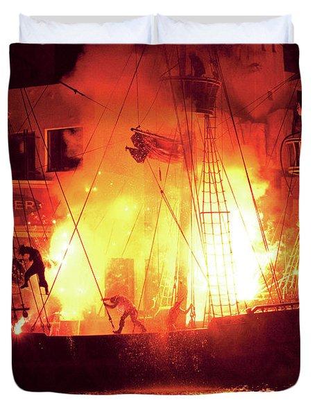 City - Vegas - Treasure Island - Explosion Abandon ship Duvet Cover by Mike Savad