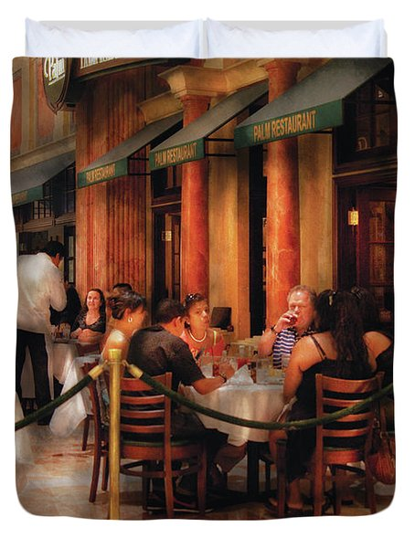 City - Venetian - Dining At The Palazzo Duvet Cover by Mike Savad