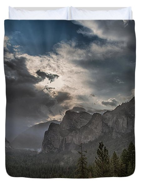 Clouds And Light Duvet Cover by Bill Roberts
