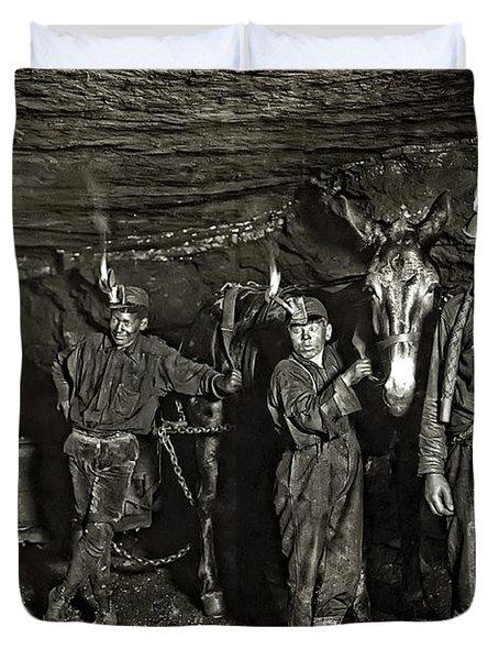 COAL MINE MULE DRIVERS  1908 Duvet Cover by Daniel Hagerman