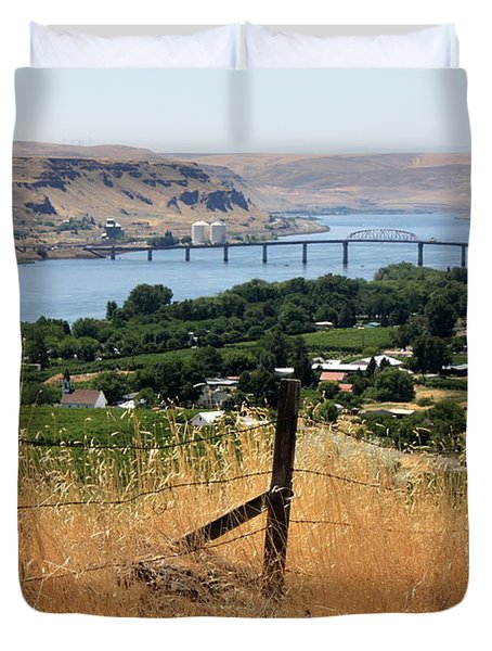 Columbia River - Biggs And Maryhill State Park Duvet Cover by Carol Groenen
