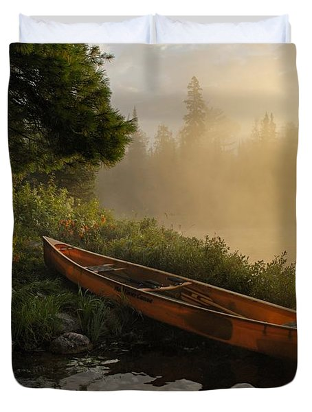 Dawn On Boot Lake Duvet Cover by Larry Ricker