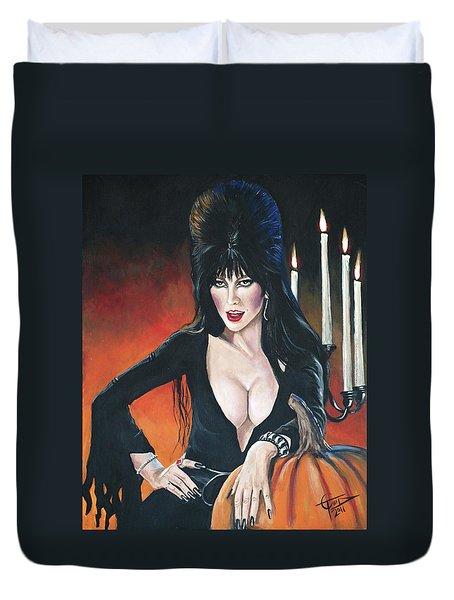 Elvira Mistress Of The Dark Duvet Cover by Tom Carlton