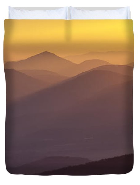 Filtered Light On The Blue Ridge Parkway Duvet Cover by Rob Travis
