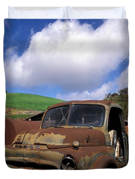 Garrod's Old Truck Duvet Cover by Kathy Yates