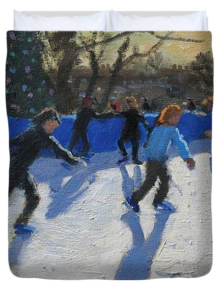 Ice Skaters At Christmas Fayre In Hyde Park  London Duvet Cover by Andrew Macara