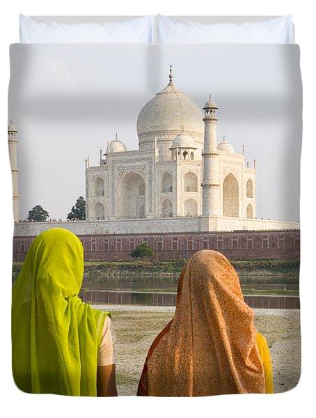 indu women at the Taj Mahal Duvet Cover by Bill Bachmann - Printscapes