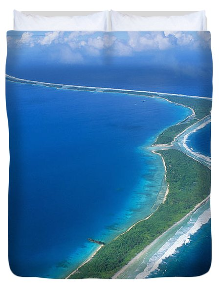 Jaluit Atoll And Lagoon Duvet Cover by Greg Vaughn - Printscapes