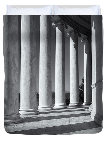 Jefferson Memorial Columns And Shadows Duvet Cover by Clarence Holmes