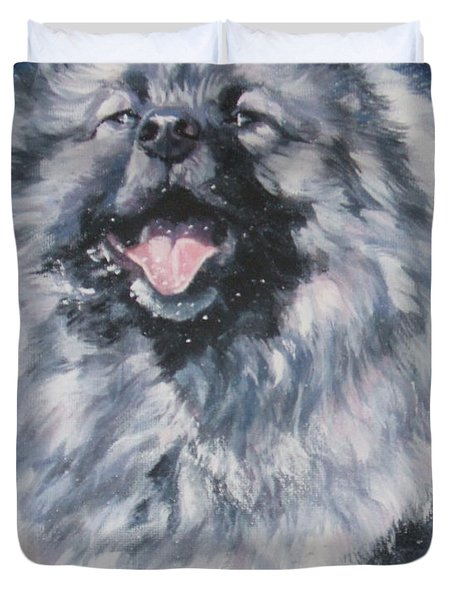 Keeshond In Snow Duvet Cover by Lee Ann Shepard