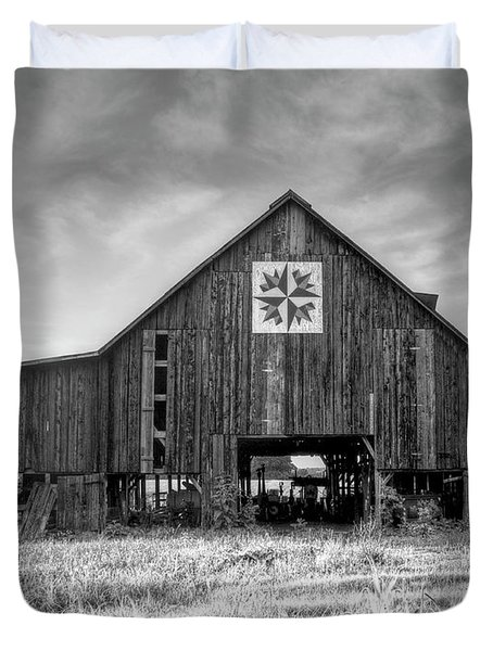 Kentucky Barn Duvet Cover by Judith Pannozo