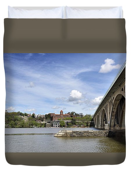 Key Bridge Into Georgetown Duvet Cover by Brendan Reals