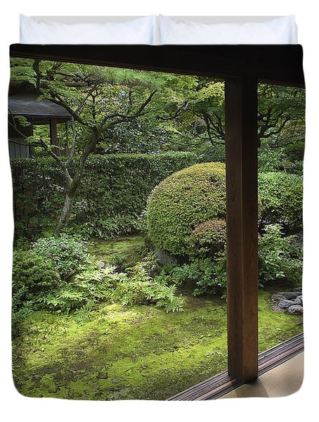 KOTO-IN ZEN TEMPLE SIDE GARDEN - KYOTO JAPAN Duvet Cover by Daniel Hagerman