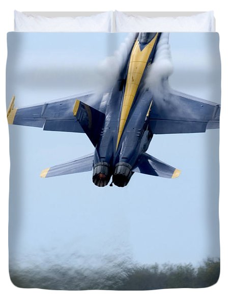 Lead Solo Pilot Of The Blue Angels Duvet Cover by Stocktrek Images