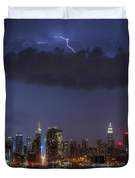 Lightning Over New York City I Duvet Cover by Clarence Holmes
