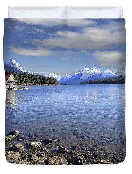 MALIGNE LAKE -- JASPER ALBERTA CANADA Duvet Cover by Daniel Hagerman