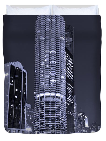 Marina City On The Chicago River In B And W Duvet Cover by Steve Gadomski