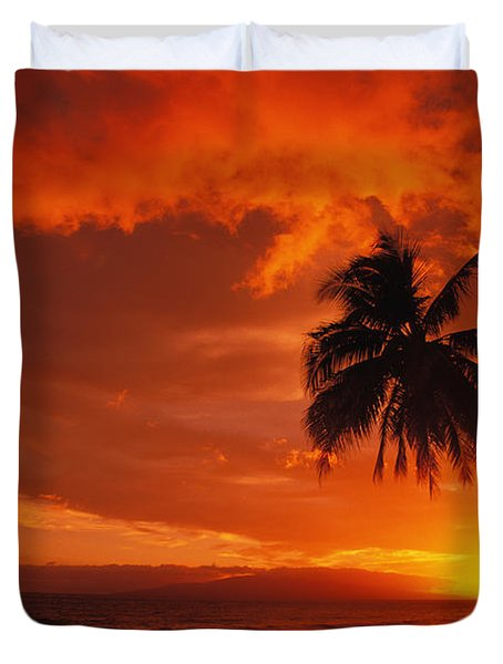Maui, A Beautiful Sunset Duvet Cover by Ron Dahlquist - Printscapes