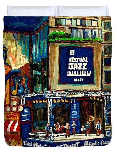 Montreal International Jazz Festival Duvet Cover by Carole Spandau