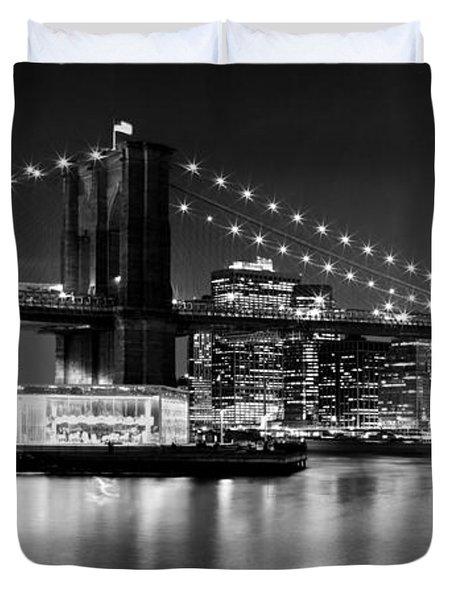 Night Skyline Manhattan Brooklyn Bridge Bw Duvet Cover by Melanie Viola