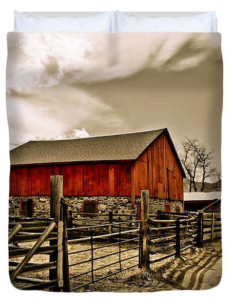 Old Country Farm Duvet Cover by Marilyn Hunt