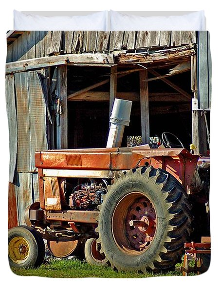 Old Red Tractor And The Barn Duvet Cover by Michael Thomas