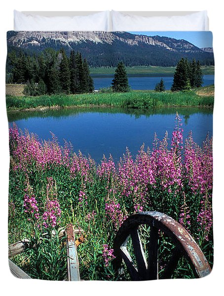 Old Wheel And Brooks Lake Duvet Cover by Kathy Yates