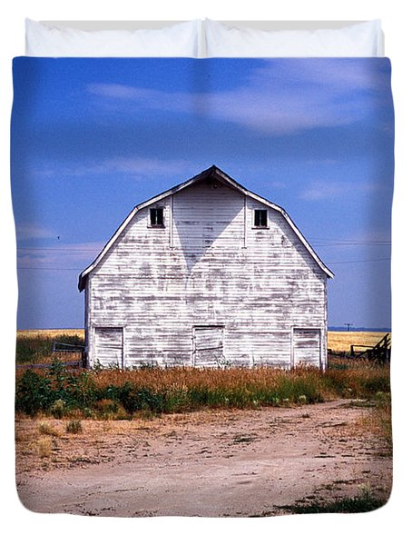 Old White Barn Duvet Cover by Kathy Yates