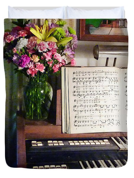 Organ And Bouquet Of Flowers Duvet Cover by Susan Savad