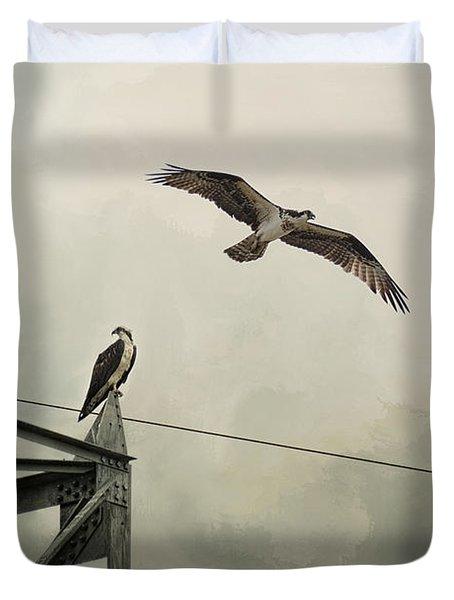 Ospreys At Pickwick Duvet Cover by Jai Johnson