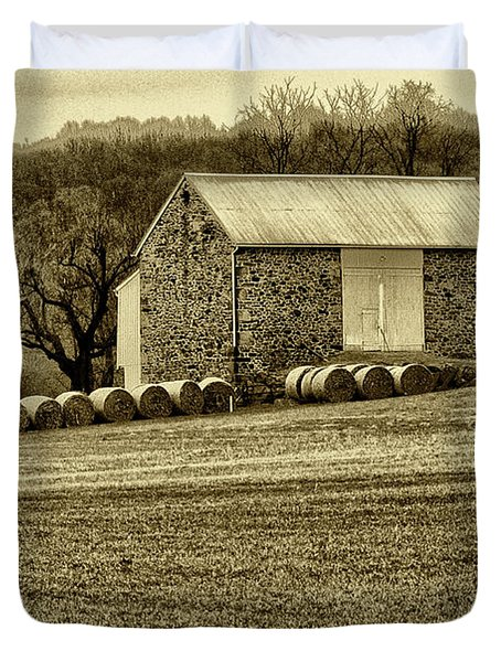 Pennsylvania Barn Duvet Cover by Bill Cannon