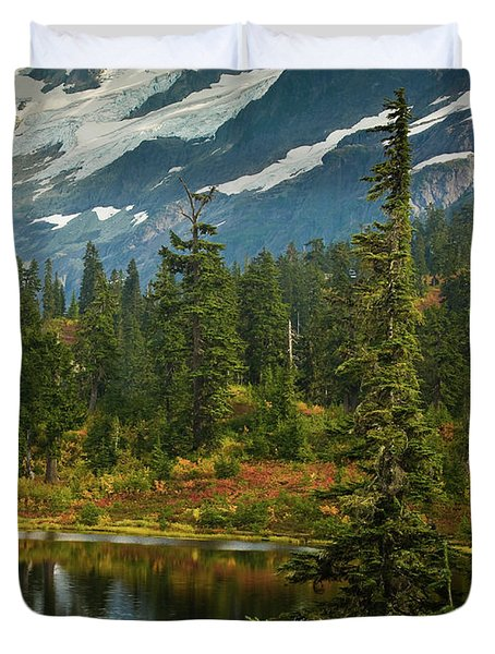 Picture Lake Vista Duvet Cover by Mike Reid