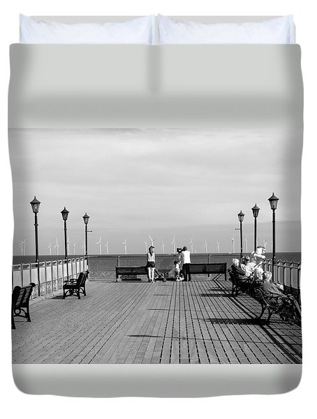 Pier End View At Skegness Duvet Cover by Rod Johnson