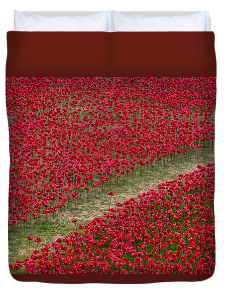 Poppies Of Remembrance Duvet Cover by Martin Newman