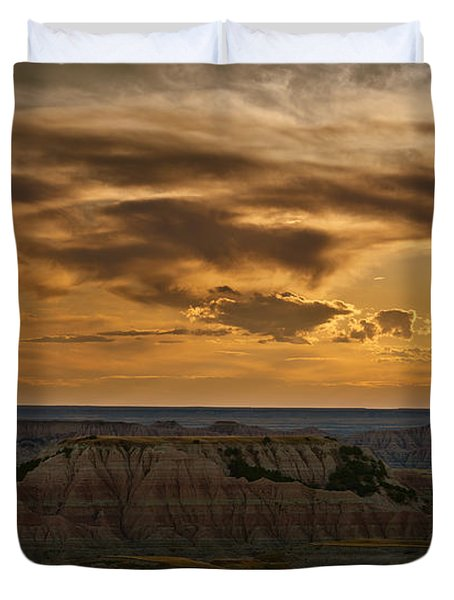 Prairie Wind Overlook Badlands South Dakota Duvet Cover by Steve Gadomski