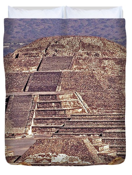 Pyramid Of The Sun - Teotihuacan Duvet Cover by Juergen Weiss