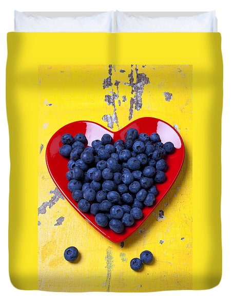 Red Heart Plate With Blueberries Duvet Cover by Garry Gay