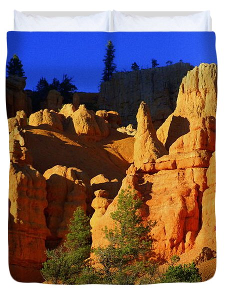 Red Rock Canoyon Moonrise Duvet Cover by Marty Koch