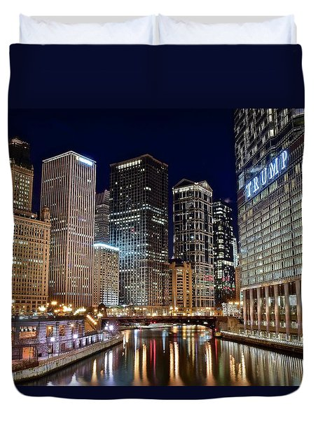 River View Of The Windy City Duvet Cover by Frozen in Time Fine Art Photography