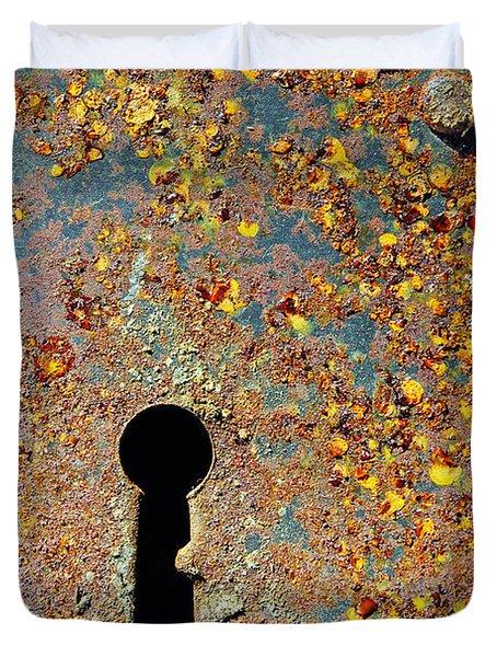 Rusty key-hole Duvet Cover by Carlos Caetano