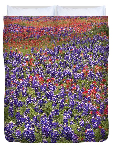 Sand Bluebonnet And Paintbrush Duvet Cover by Tim Fitzharris
