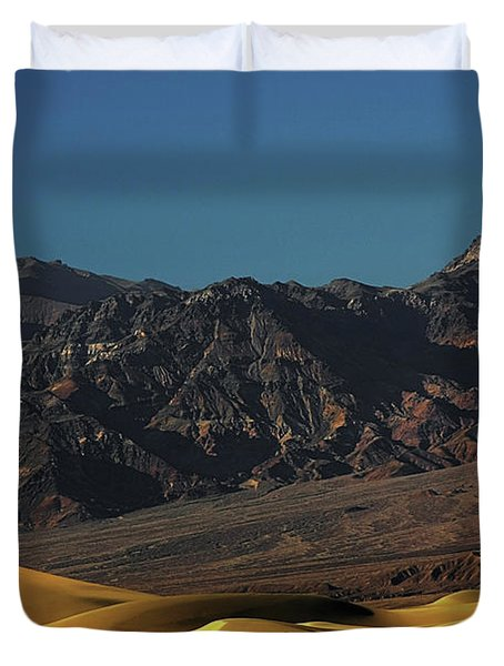 Sand Dunes - Death Valley's Gold Duvet Cover by Christine Till