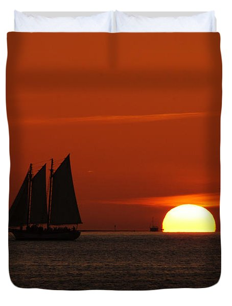 Schooner In Red Sunset Duvet Cover by Susanne Van Hulst