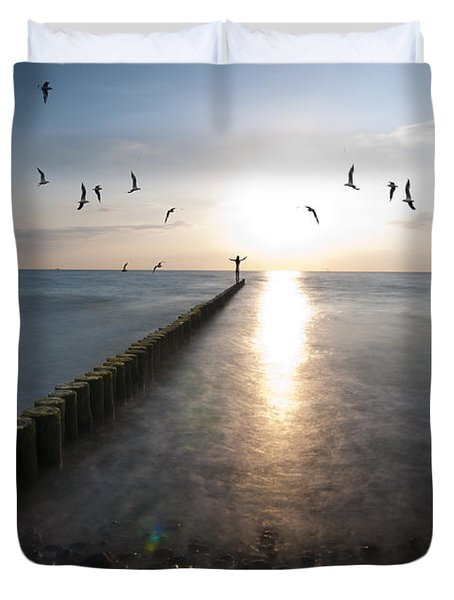 Sea Birds Sunset. Duvet Cover by Nathan Wright