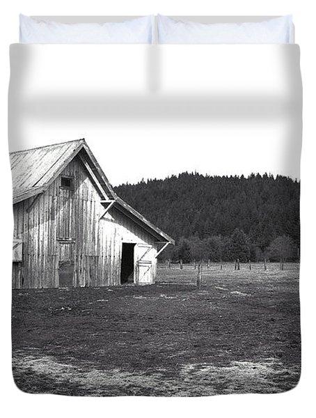 Shasta Barn Duvet Cover by Kathy Yates