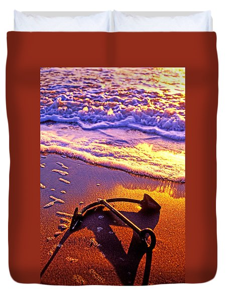 Ships Anchor On Beach Duvet Cover by Garry Gay