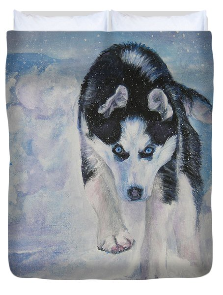 Siberian Husky run Duvet Cover by Lee Ann Shepard