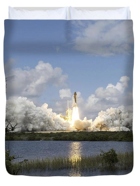 Space Shuttle Discovery Liftoff Duvet Cover by Stocktrek Images